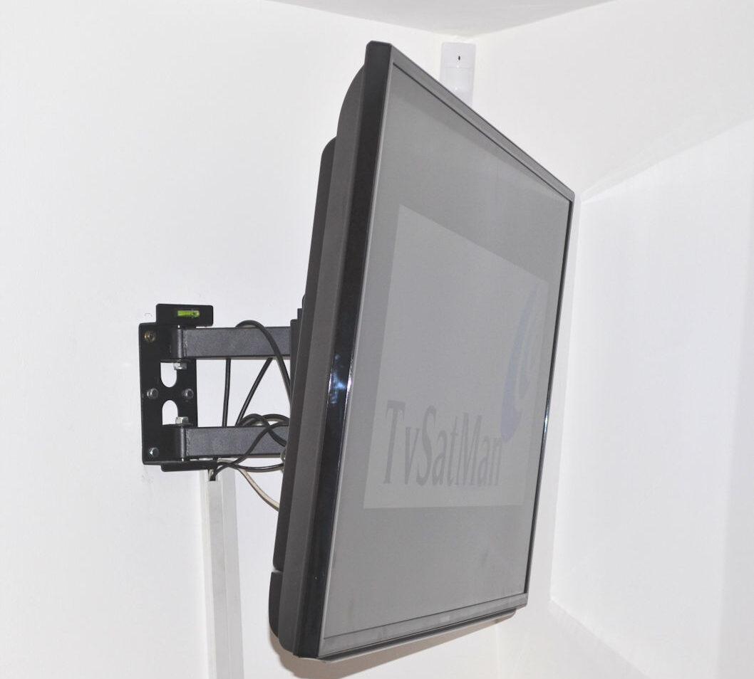 zamocowanie telewizora na ścianie